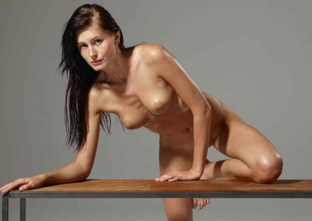 Sexy Naked Girl